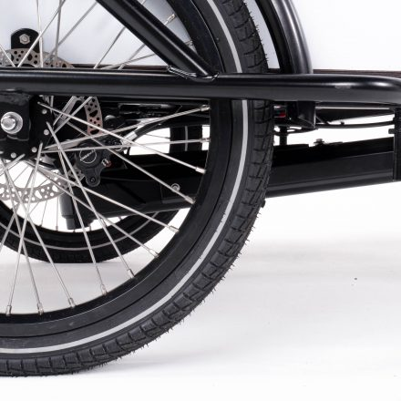 Extremely low front frame